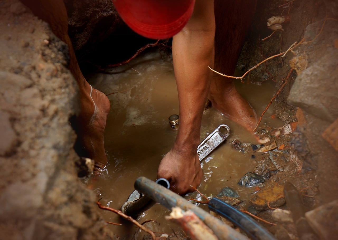 Pourquoi faire appel à un professionnel pour le débouchage de vos canalisations ?
